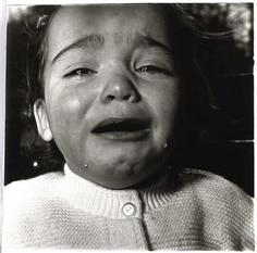 child crying_Arbus